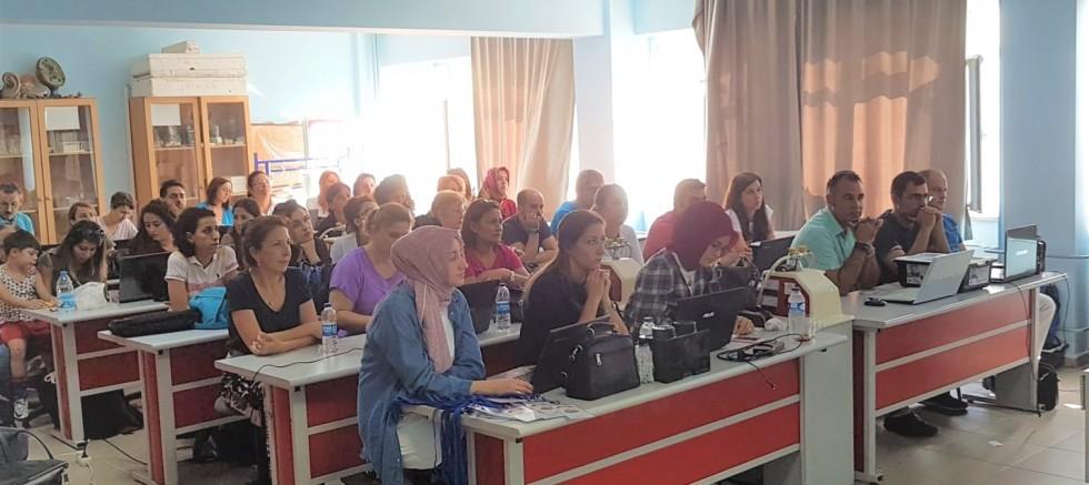 60 Öğretmen hafta sonu eğitimdeydi