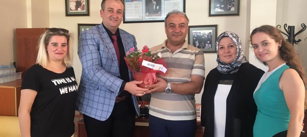 """AK Parti'den """"İlköğretim Haftası"""" ziyaretleri"""