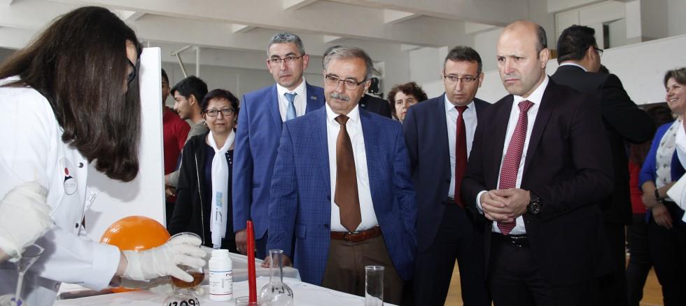 Gelibolu Atatürk Mesleki ve Teknik Anadolu Lisesi'nden 4006 TUBİTAK Bilim Fuarı