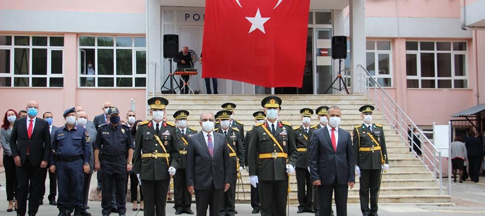 Gelibolu'da Cumhuriyet Bayramı Kutlandı