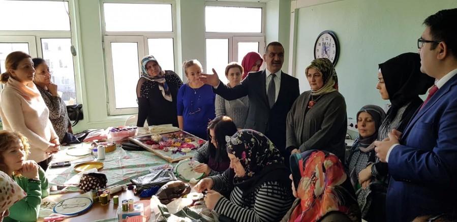Kaymakam Kılınçkaya, Halk Eğitimi Merkezi'ni yeni binasında ziyaret etti