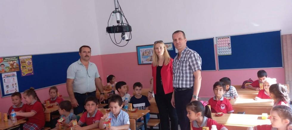 Okula Uyum Haftası'nda minikleri yalnız bırakmadılar