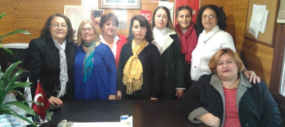 Seçilmiş kadınları ziyaret ettiler