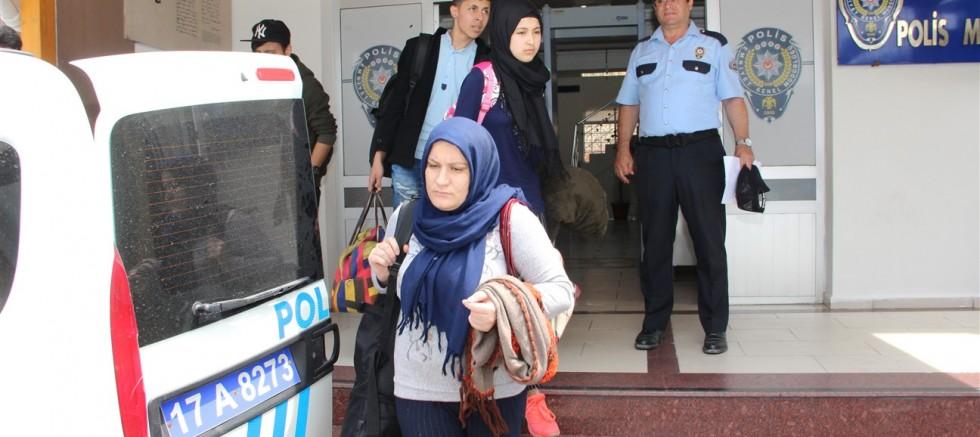 Suriyeli aile tır  dorsesinde  yakalandı