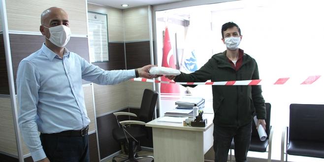 Ticaret Odası, Üyelerine Maske Dağıtıyor